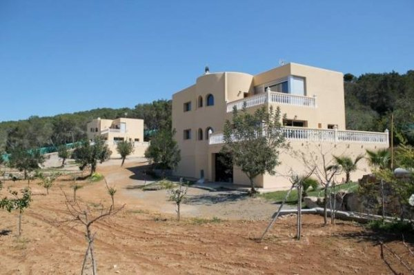 Luxury Villa with 10 Bedroom San Rafael for sale