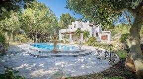 Four bedroom villa in San Jose located at Km.5