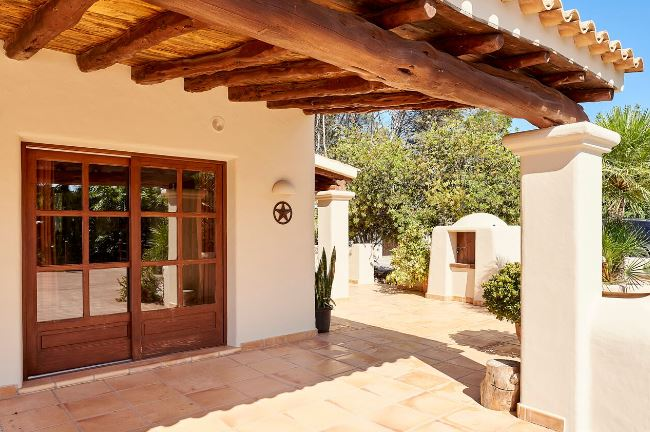 Cosy finca within the countryside on the road to Can Furnet