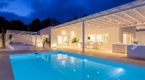 Modern house in Roca Llisa with private pool