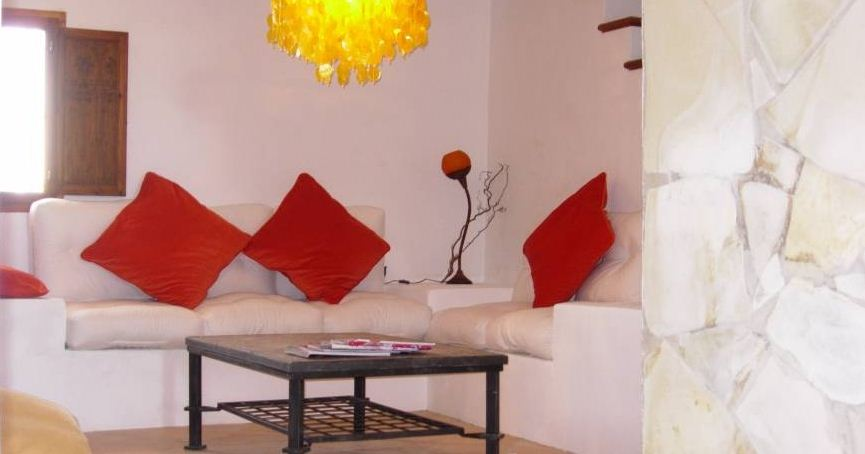 Country house with horse stable and 2 guest apartments close to Ibiza town