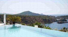 Contemporary villa with ocean panoramic views up to Formentera in Vista Alegre