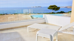 Recently renovated townhouse in first sea line in Cala Tarida