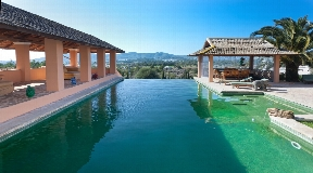 Terrific finca with a picturesque outdoor area