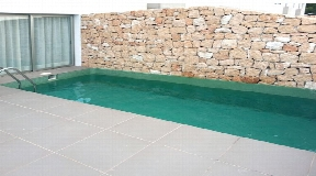 Modern top quality terraced house with private pool in Roca llisa