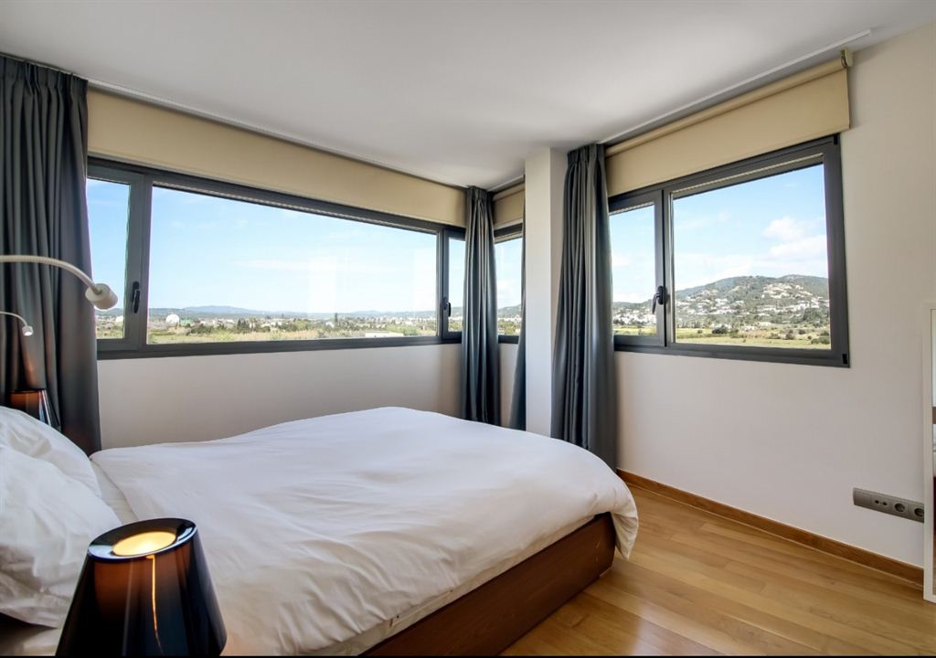 Lovely 2 bedroom apartment with nice views to the bay of Talamanca