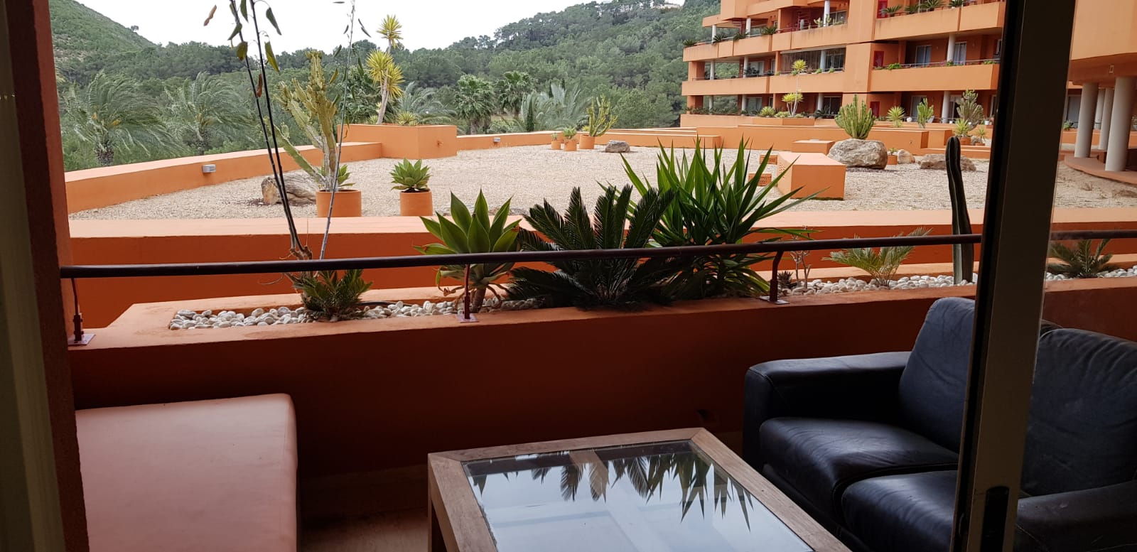 2 bedrooms flat with 2 bathrooms en suite in Roca Llisa