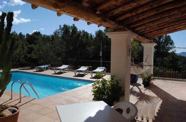 Charming finca located in Cala Salada with nice sea views and touristic rental license