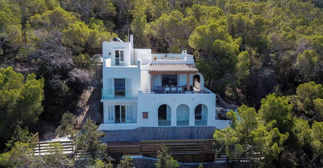 Convenient and quixotic house in the north of Ibiza with superb sunset sight in Portinax