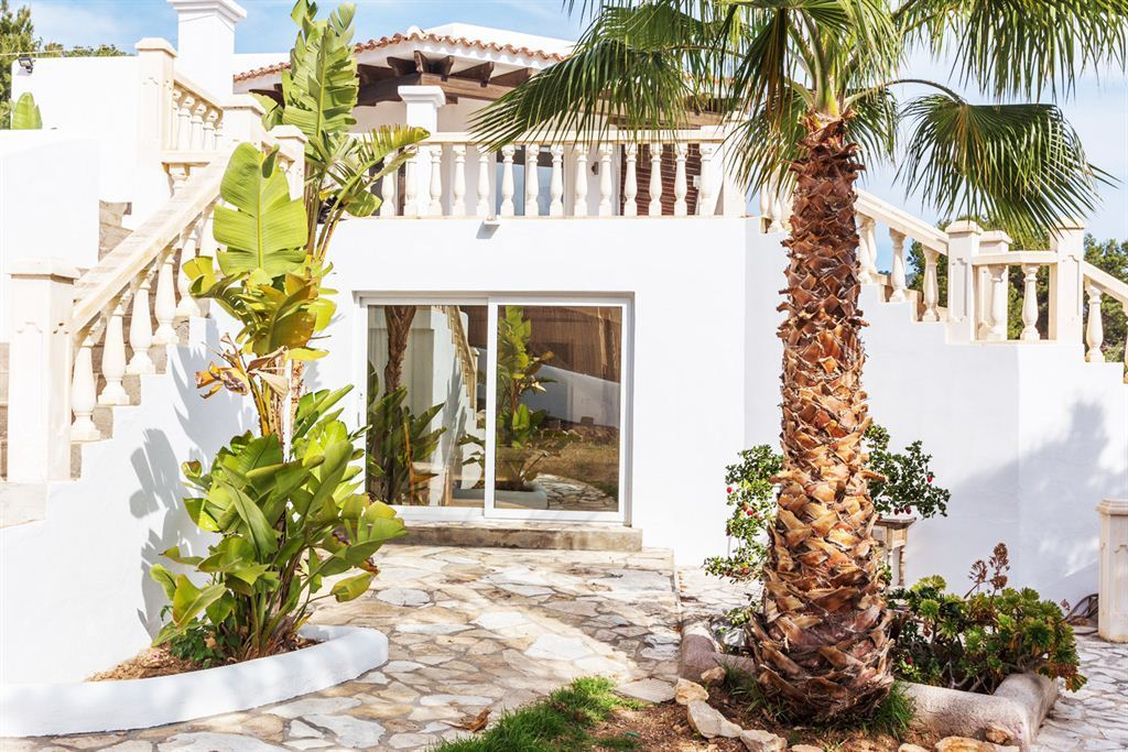 Villa in Cala Carbo and fantastic views to Es Vedrá for sale