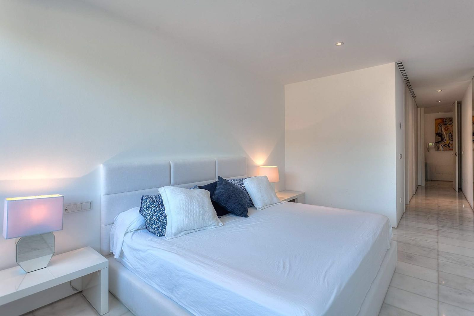 Superb frontline appartment with private pool in Es Pouet Talamanca