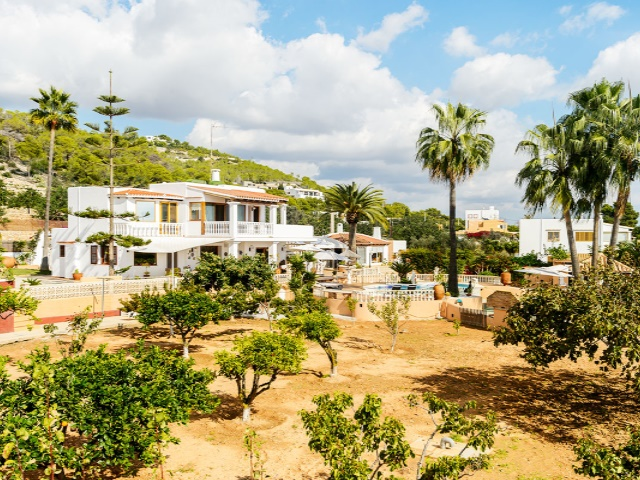 Wide villa with 5 bedroom for sale near to Ibiza