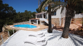 Delightful villa is located near to Cala Gracio beach for sale