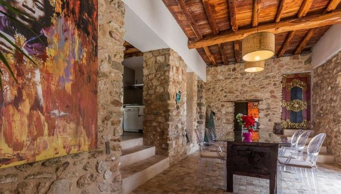 Luxurious villa for sale with 5 bedrooms in Cala Salada
