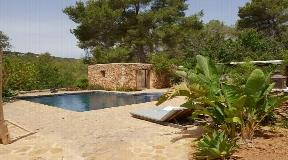 Wonderful finca located on a big plot near Santa Gertrudis for sale