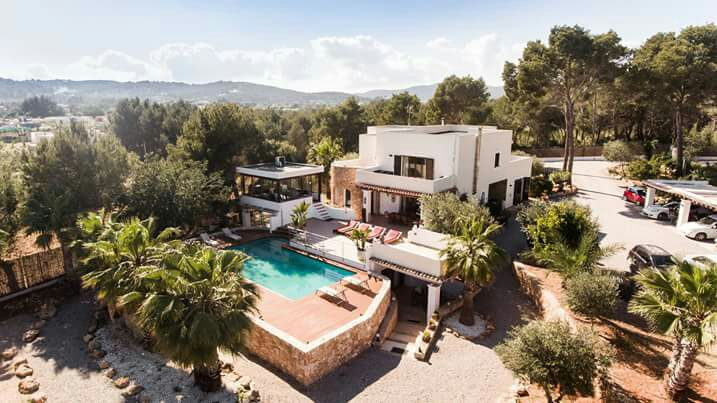 Aristocratic real estate in the country covered by a nice scenery in Santa Eulalia