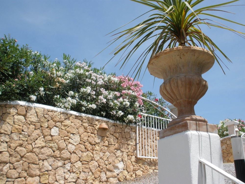 Great villa for sale is situated on the hillside of st. Rafael