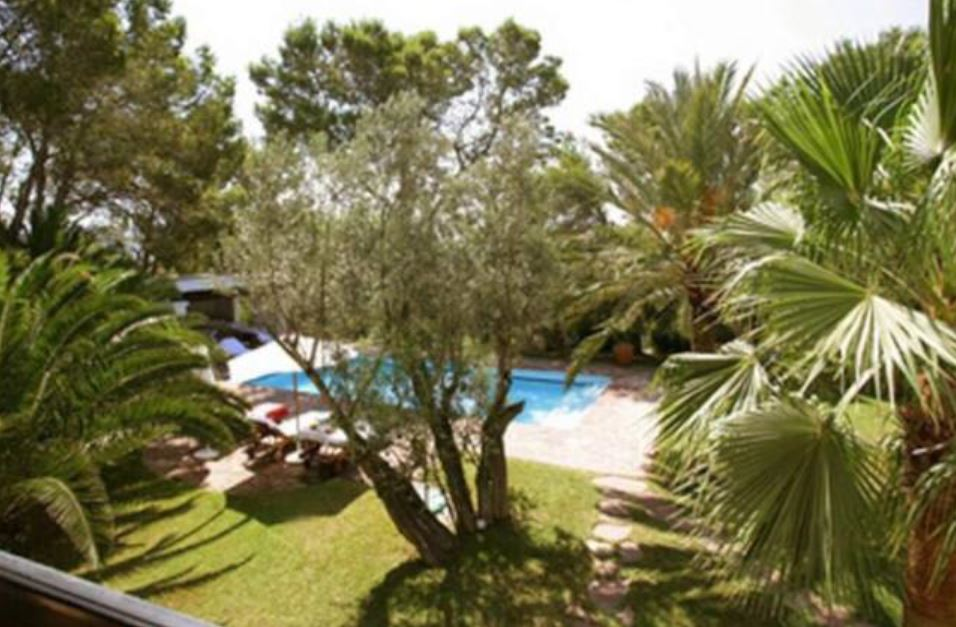 Exclusive cosy property near to the city of Ibiza in a very peaceful location