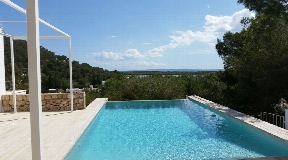 Unique villa for sale overlooking Las Salinas and the sea