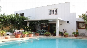 Nice detached 200m2 villa with pool in Can Pepsimo for sale