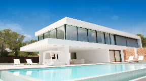 Wonderful luxurious villa situated in Vista Alegre for sale