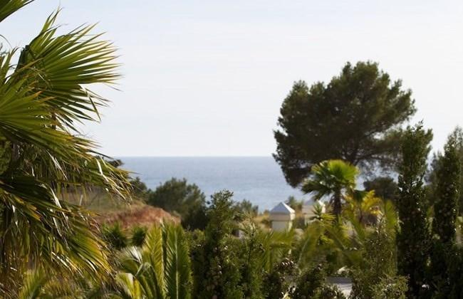 Bright villa in Cala Jondal in Ibiza for sale