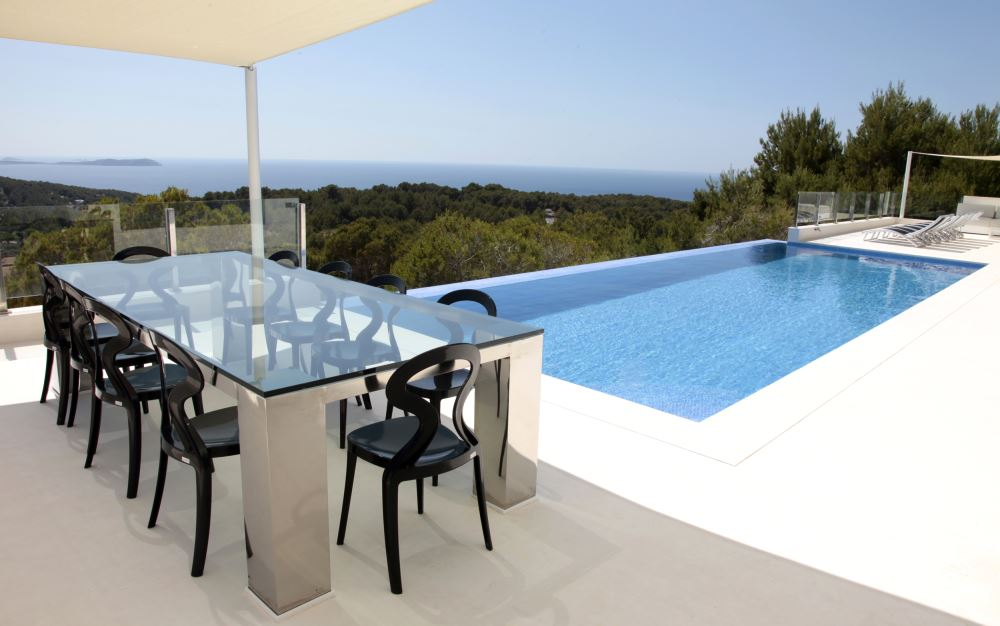 Nice villa for sale in Cala Salada with sunset and sea views