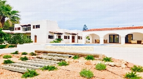 Lovely finca in a peaceful area of San Carlos for sale