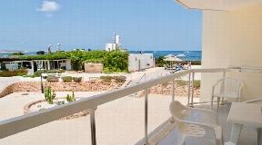 Nice sea facing apartment on the Mediterranean coast in Cala de Bou
