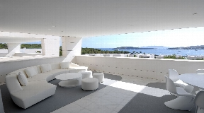 Luxury penthouse in an exclusive residential complex with amazing sea and old town views