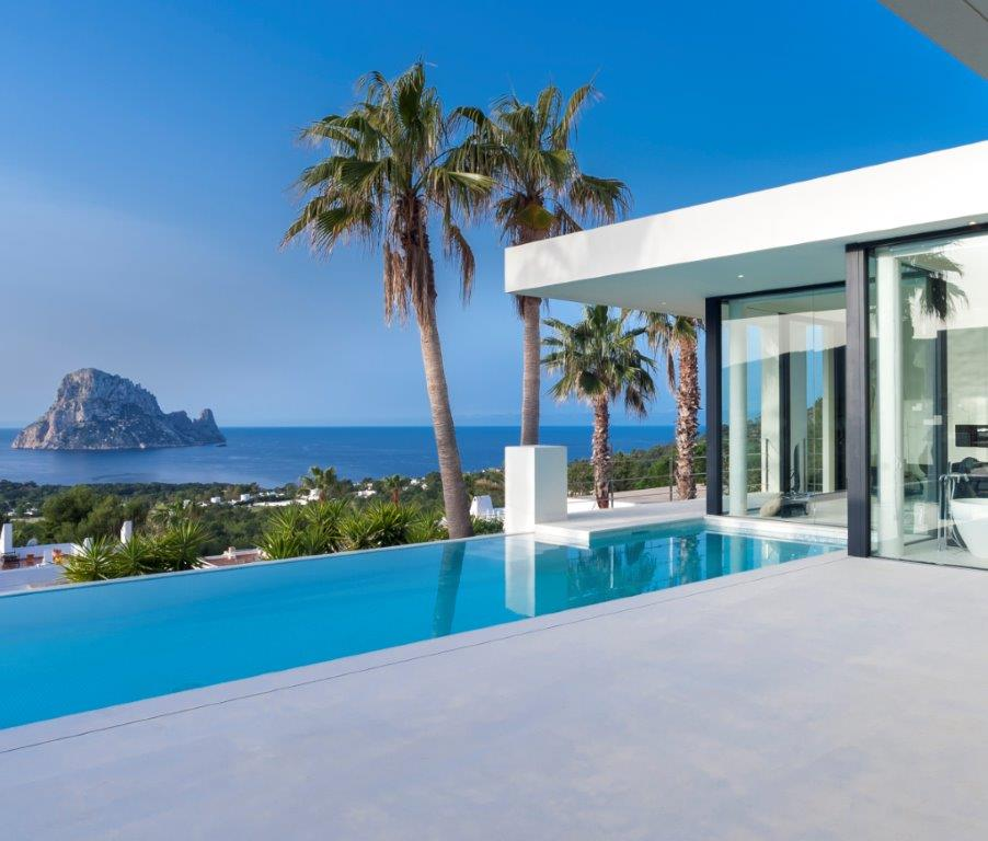 Unique villa in Cala Carbo with views to melt away