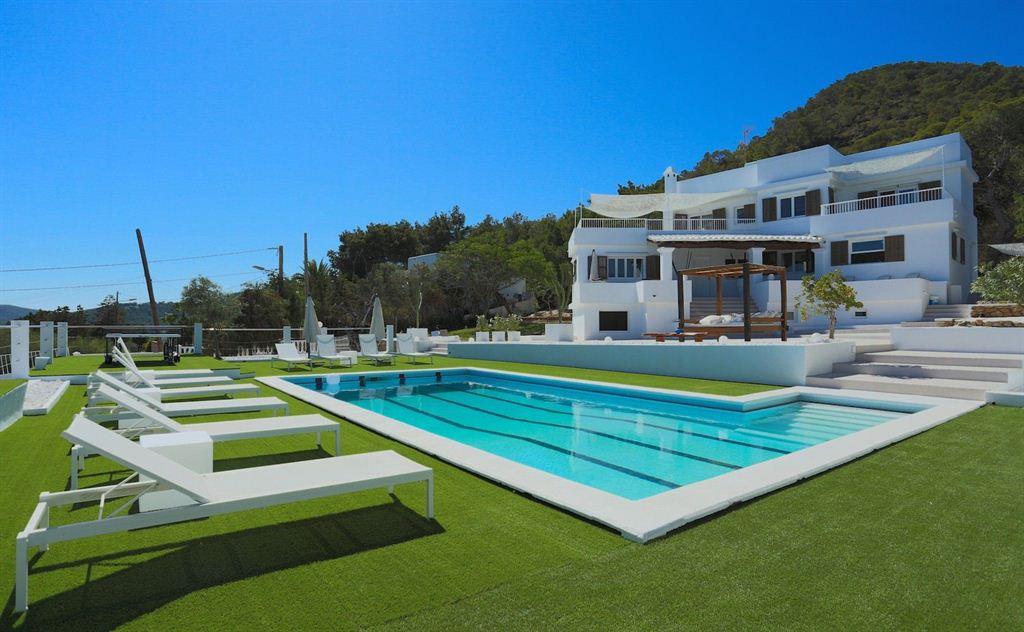 Modern Villa in Sa Carroca with stunning views to the sea and Dalt Vila
