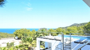 Wonderful villa with amazing sea views in Cala Salada for sale