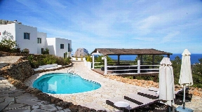 Wonderful modern chalet with touristic rental license to Es Vedra with sea views