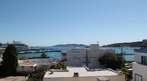 Superb townhouse situated in Talamanca Illa for sale