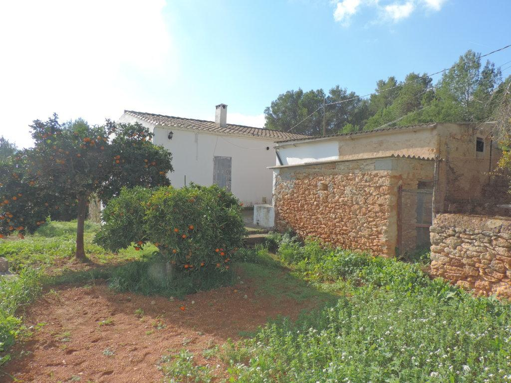 Rustic finca on a huge plot of land with sea views for sale close to Santa Eulalia