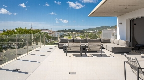 Unique penthouse for sale situated in the center of the village of Jesús