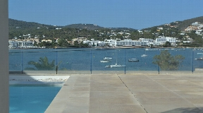 Superb ground floor apartment with sea views in Talamanca for sale