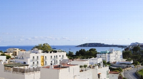 Holiday apartment in Talamanca with solarium with amazing views for sale