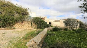 Historic finca situated in unique place with 350000m2 land for sale
