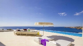 Nice prime villa for sale in San Jose with direct sea access