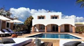 Beautiful finca in San Jordi de Ses Salinas with turistic licence for sale