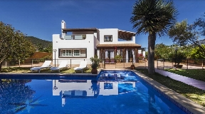 Amazing villa for sale with tourist license in Sa Carroca