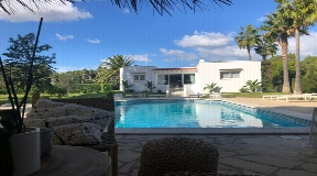 Wonderful house with tropical garden near to the beach