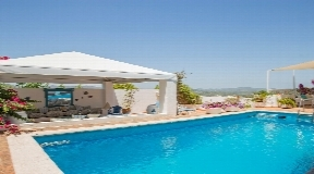 Superb villa located in one of the most exclusive residential of Ibiza