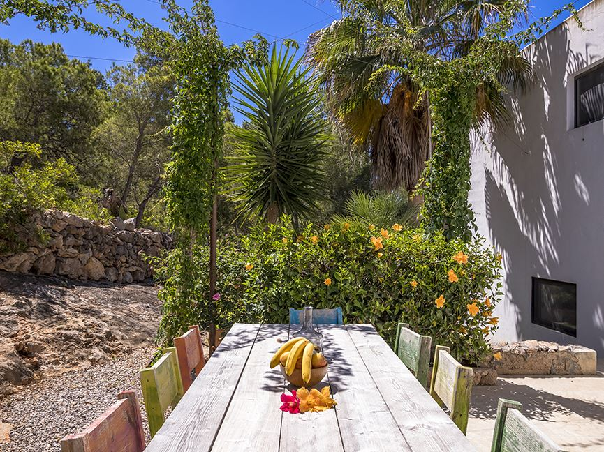 Wonderful finca for sale in walking distance to the beach of Es Cavallet