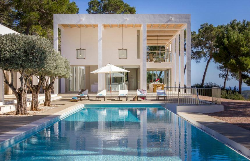 Luxury villas overlooking where the ocean hits the sun