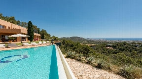 Wonderful villa on top of a mountain near KM3