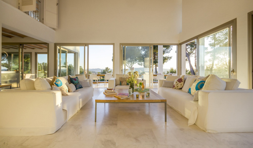 Large luxurious close to Morna Valley with sea views villa for sale