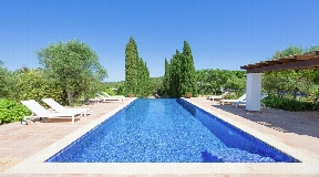 Wonderful villa of 300 m2 situated in the village of San Rafael